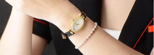 Топ 5 дамски часовника с черна кожена каишка и златно покритие