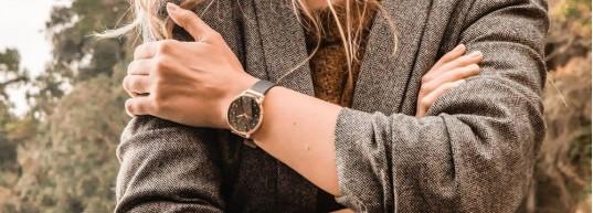 Топ 5 дамски часовници с розово злато до 500 лева