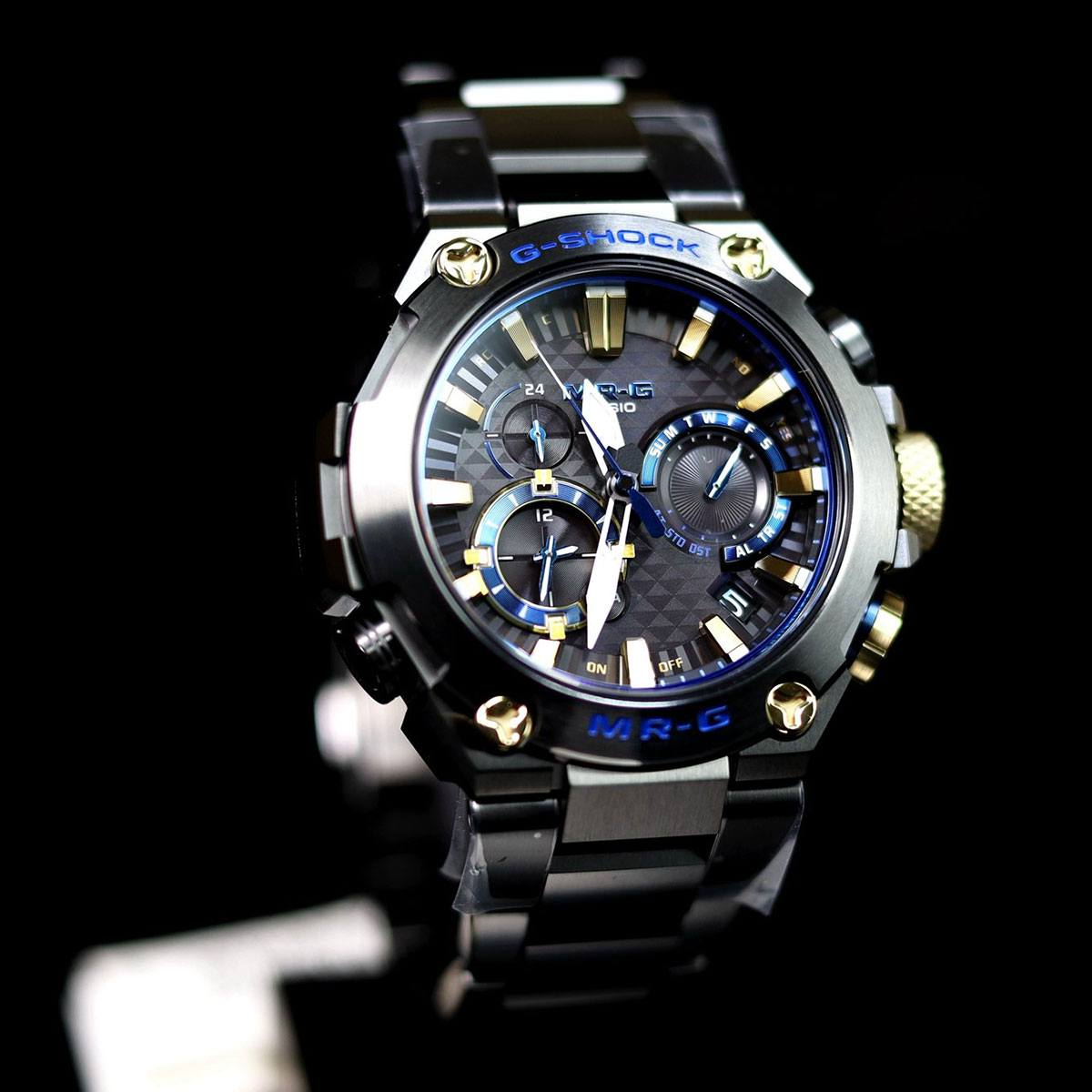 Часовник Casio G-Shock MRG-B2000B-1ADR