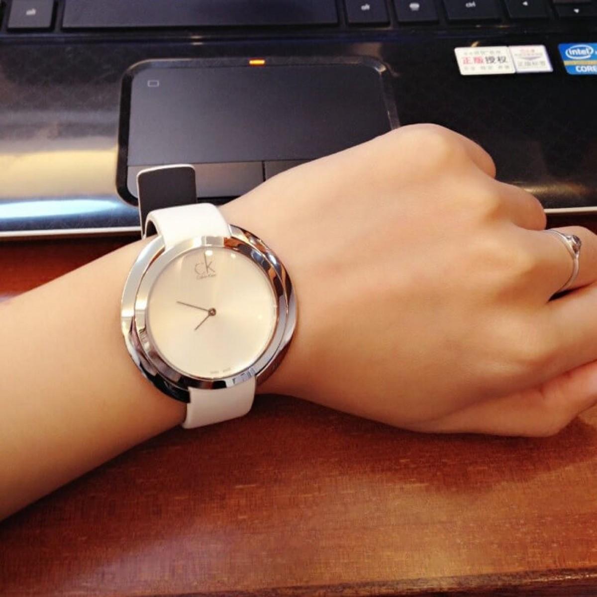 Часовник Calvin Klein K3U231L6