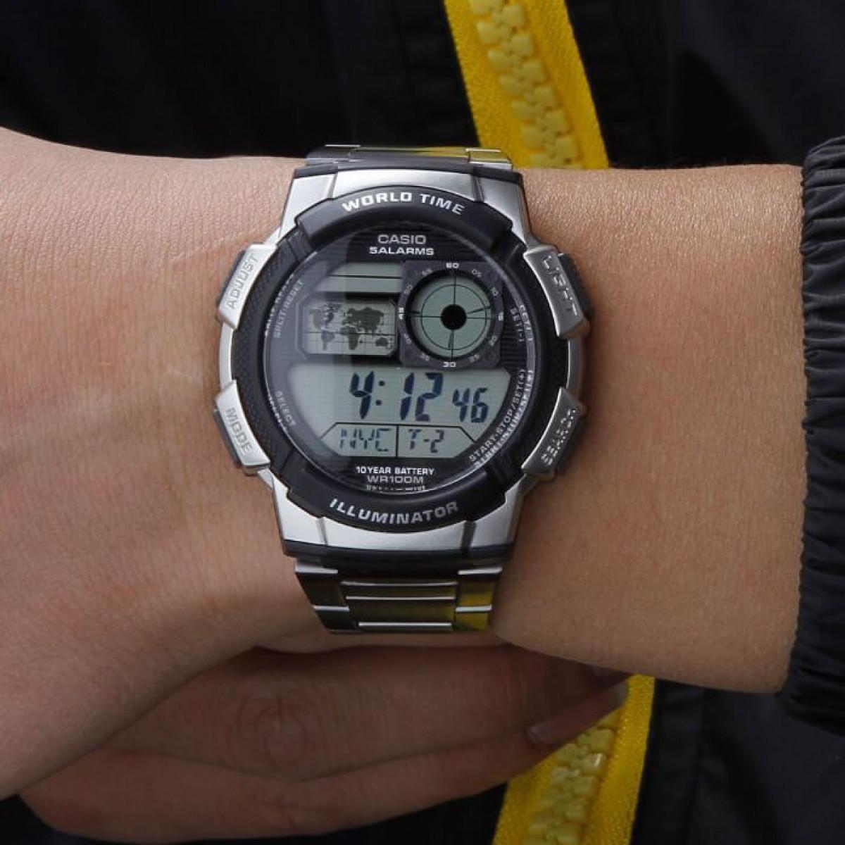 Часовник Casio AE-1000WD-1AVEF