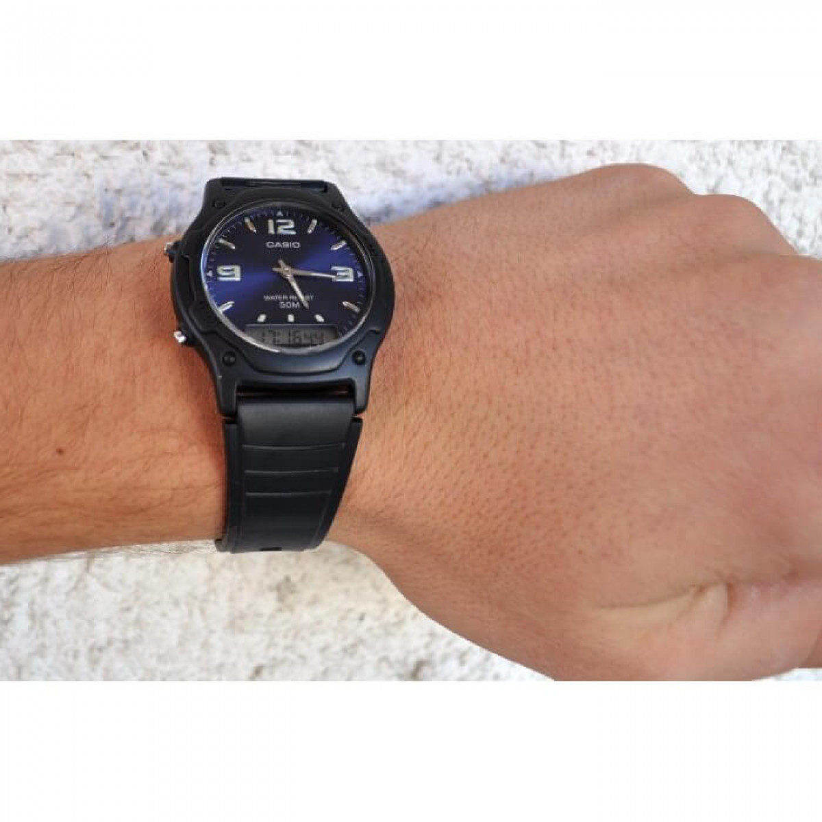 Часовник Casio AW-49HE-2AVEG