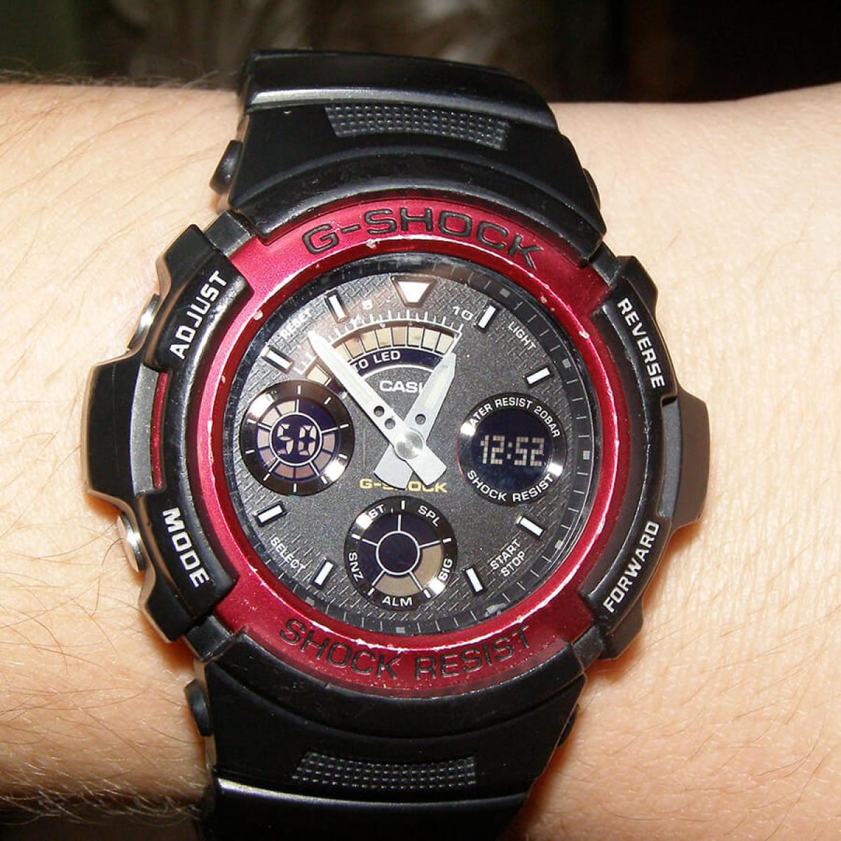 Часовник Casio G-Shock AW-591-4AER