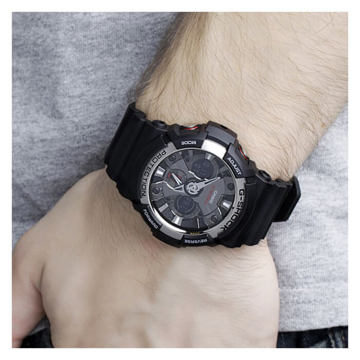 Часовник Casio G-Shock GA-200-1AER