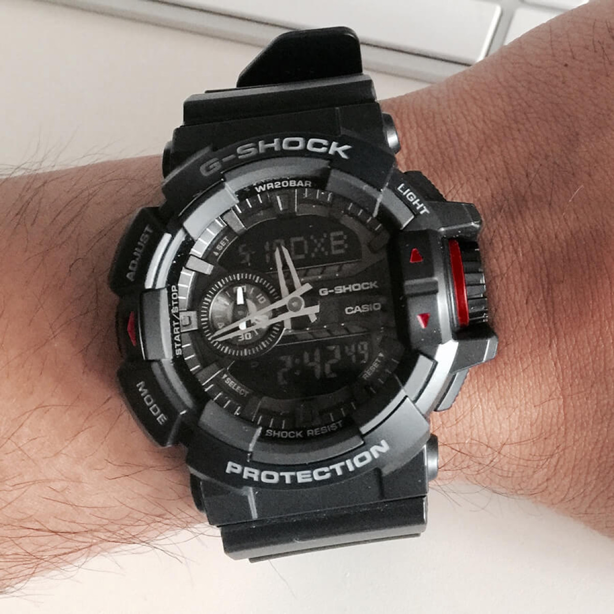 Часовник Casio G-Shock GA-400-1BER