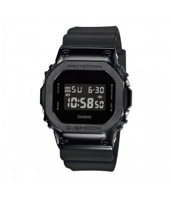 Часовник Casio G-Shock GM-5600B-1ER