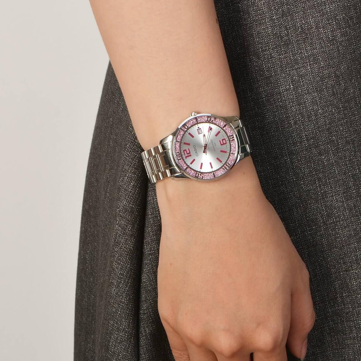 Часовник Casio LTP-1359D-4AV