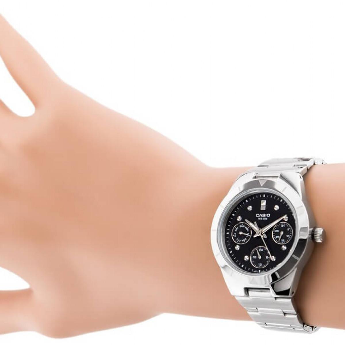 Часовник Casio LTP-2083D-1AV