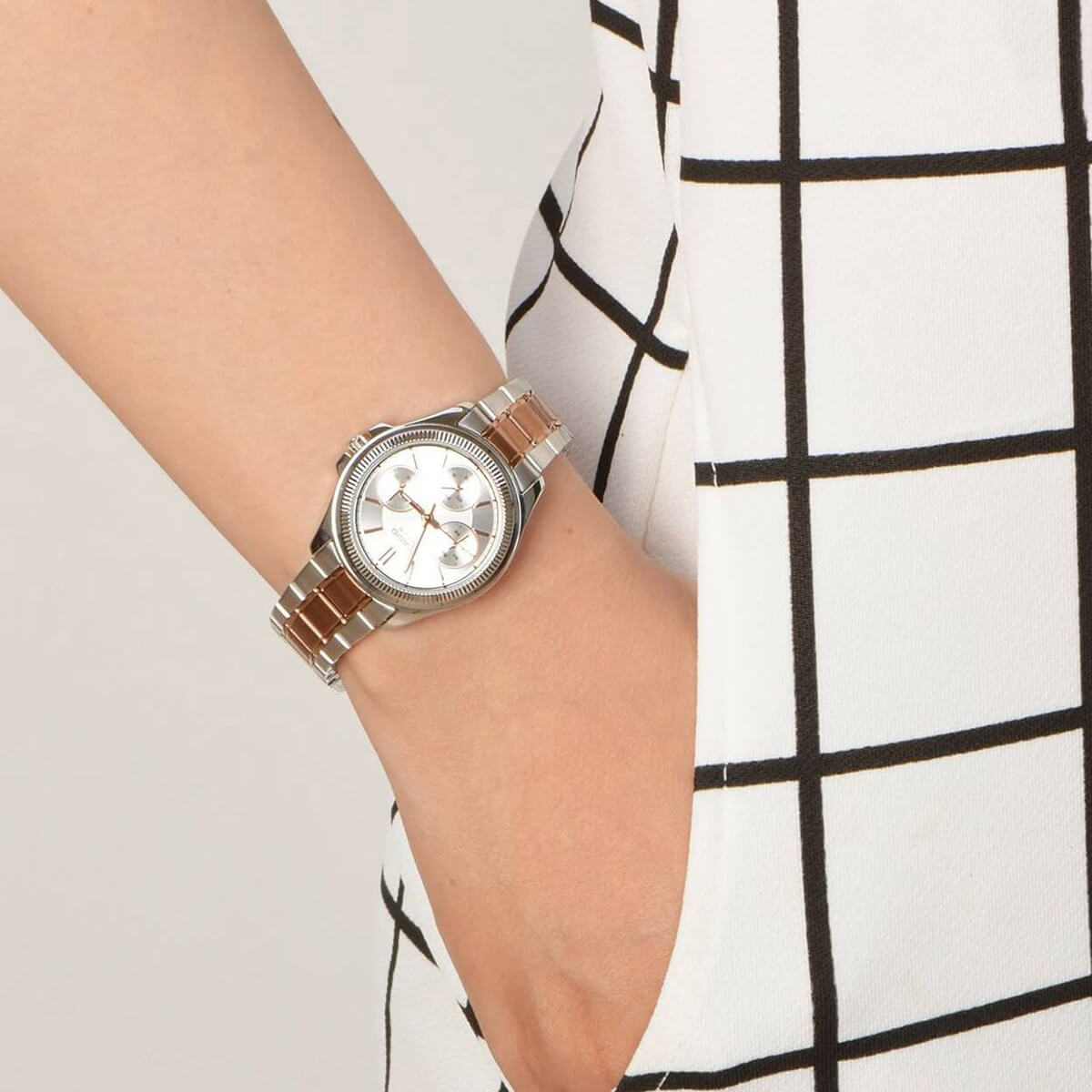 Часовник Casio LTP-2088RG-7AV