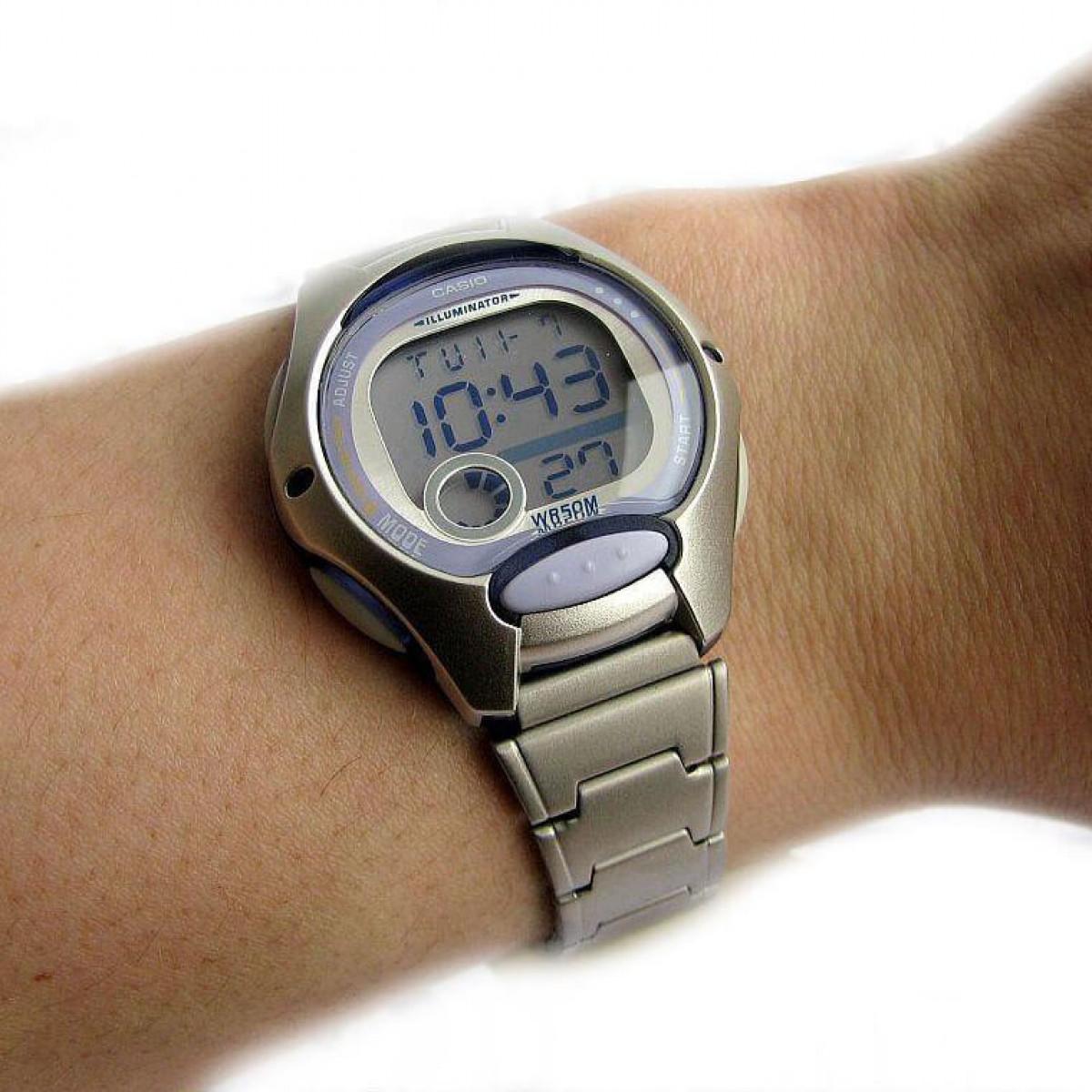 Часовник Casio LW-200D-6AVEF