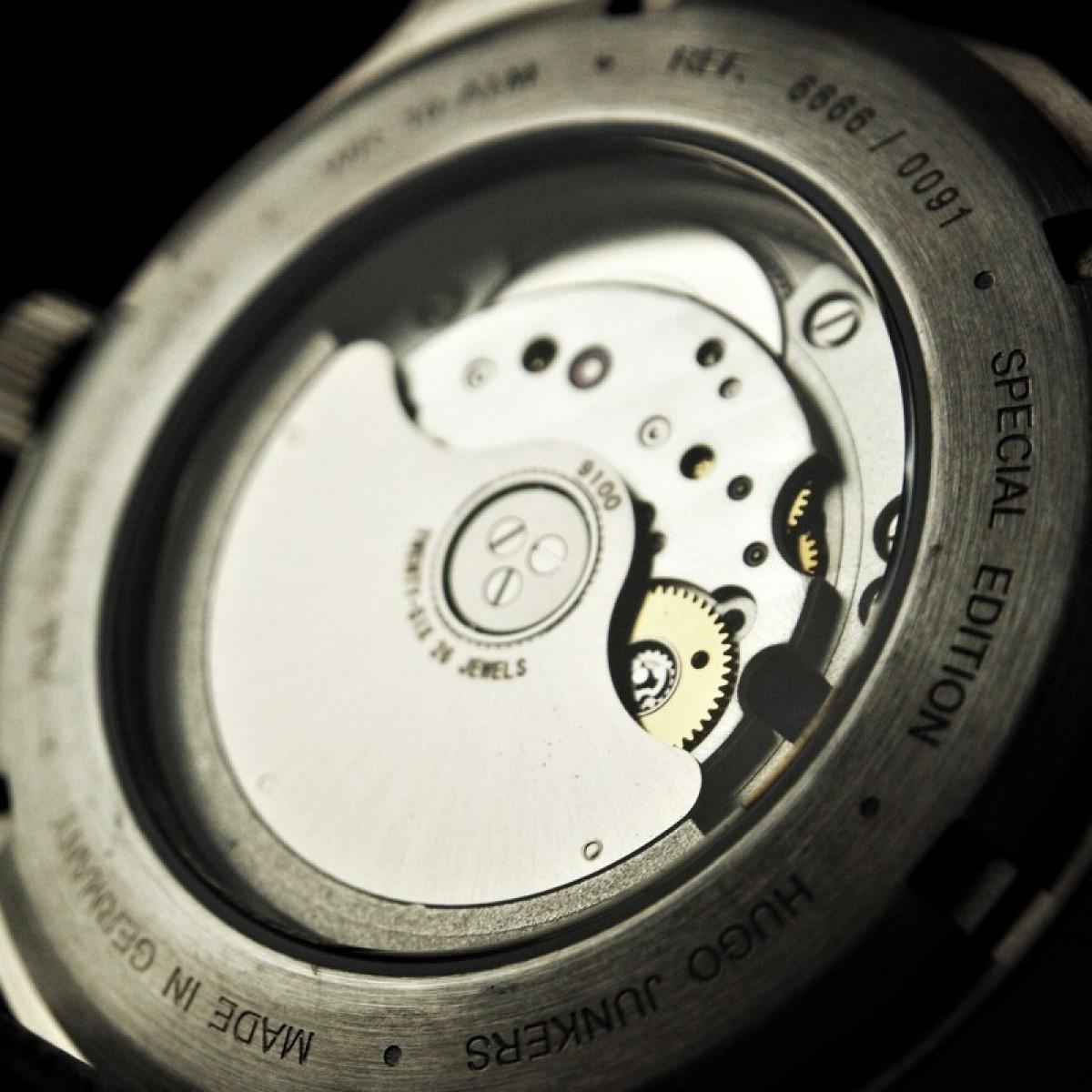 Часовник Junkers 6666-2