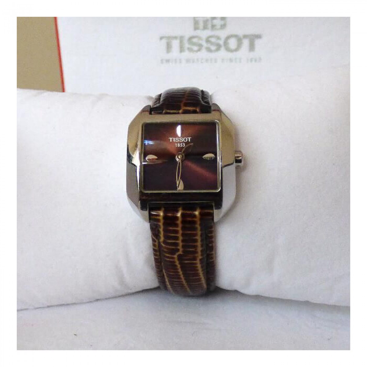 Часовник Tissot T02.1.215.61