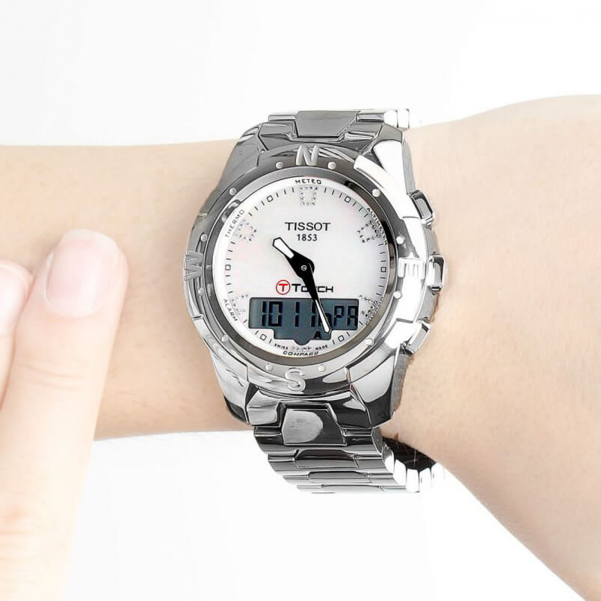 Часовник Tissot T047.220.44.116.00