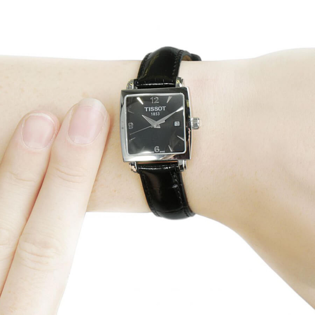 Часовник Tissot T057.310.16.057.00