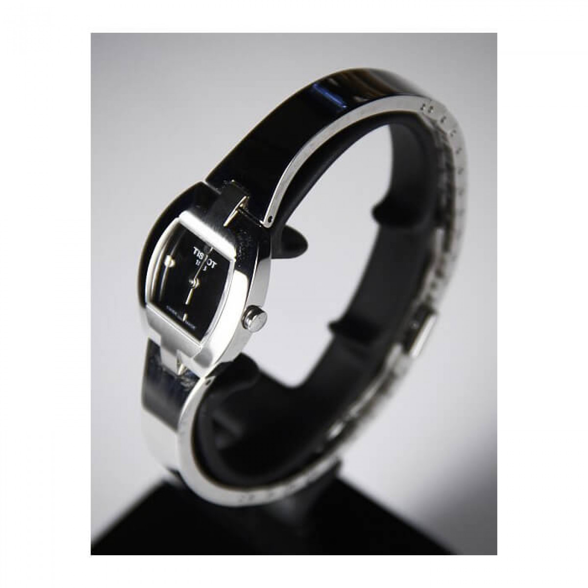 Часовник Tissot T62.1.285.51