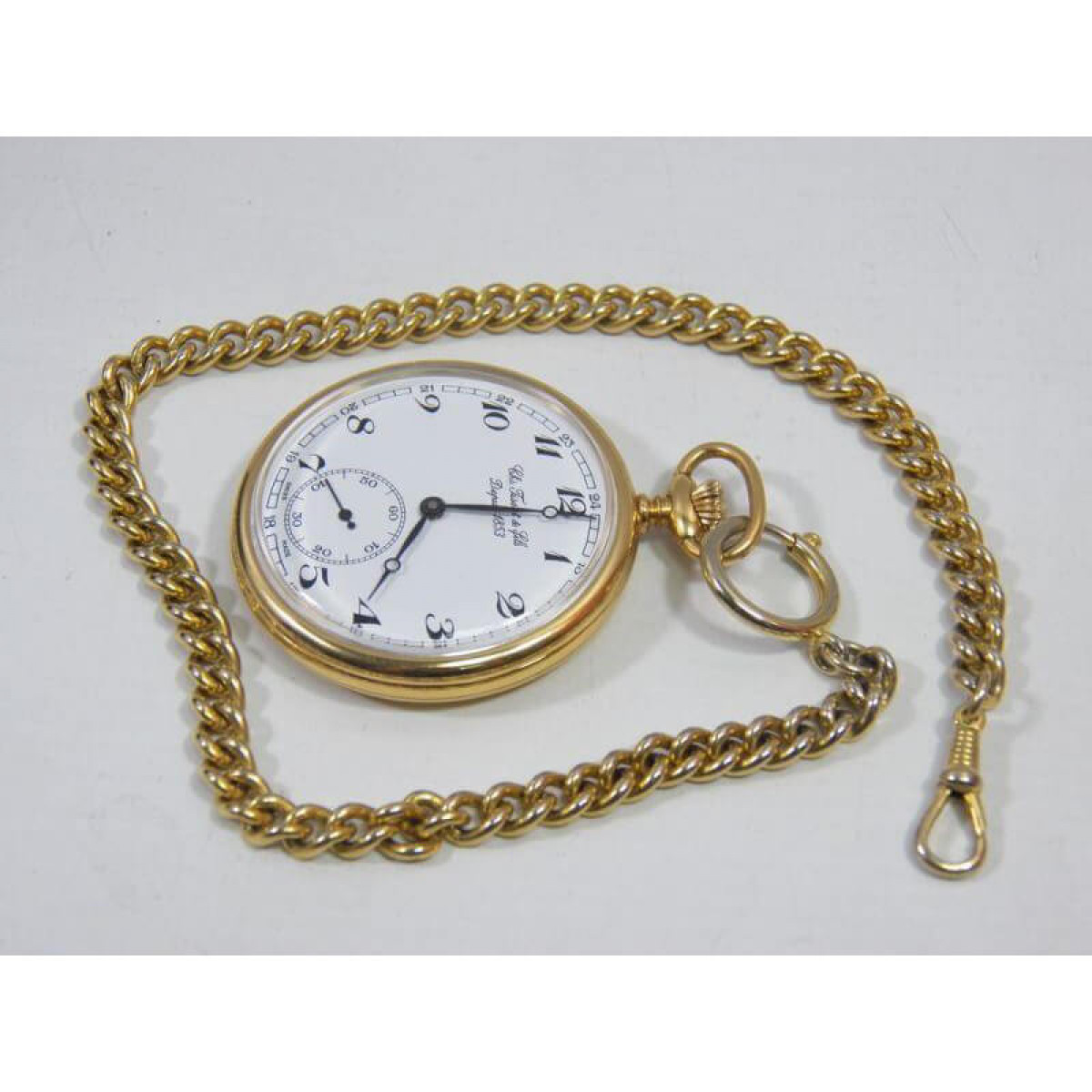 Часовник Tissot T82.4.402.12